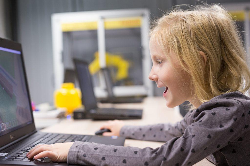 Minecraft_Education_dla_dzieci_EMT-Kids